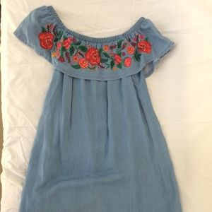 Dress with embroidered patch flowers midi
